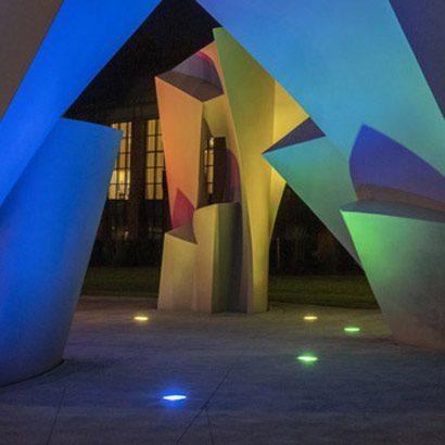 Mood lighting of lumenbeam by Lumenpulse